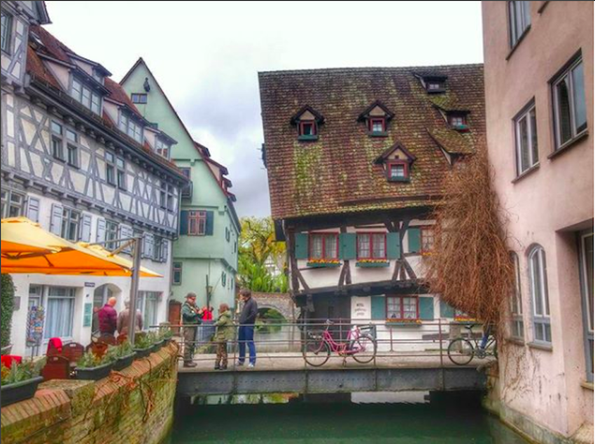 Cover Photo: © burjatoni /Instagram - Hotel Schiefes Haus