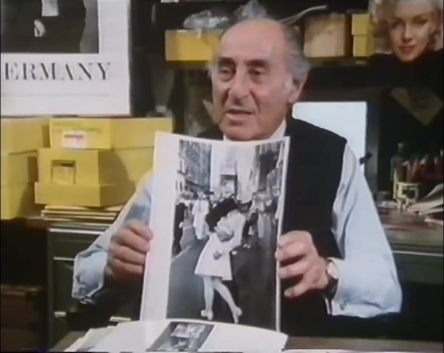 Foto tratta dal video Youtube: Alfred Eisenstaedt BBC Master Photographers (1983)