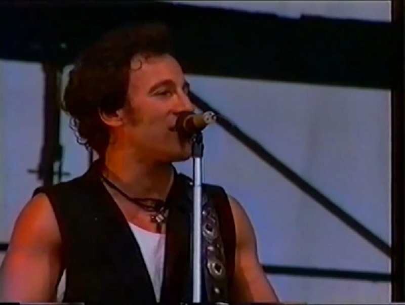 """© Youtube : """"Springsteen - Chimes of freedom - East Berlin 1988"""""""