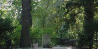 © lotatau, Overview of the grave of Heinrich von Kleist and Henriette Vogel in Berlin-Wannsee, CC BY-SA 3.0