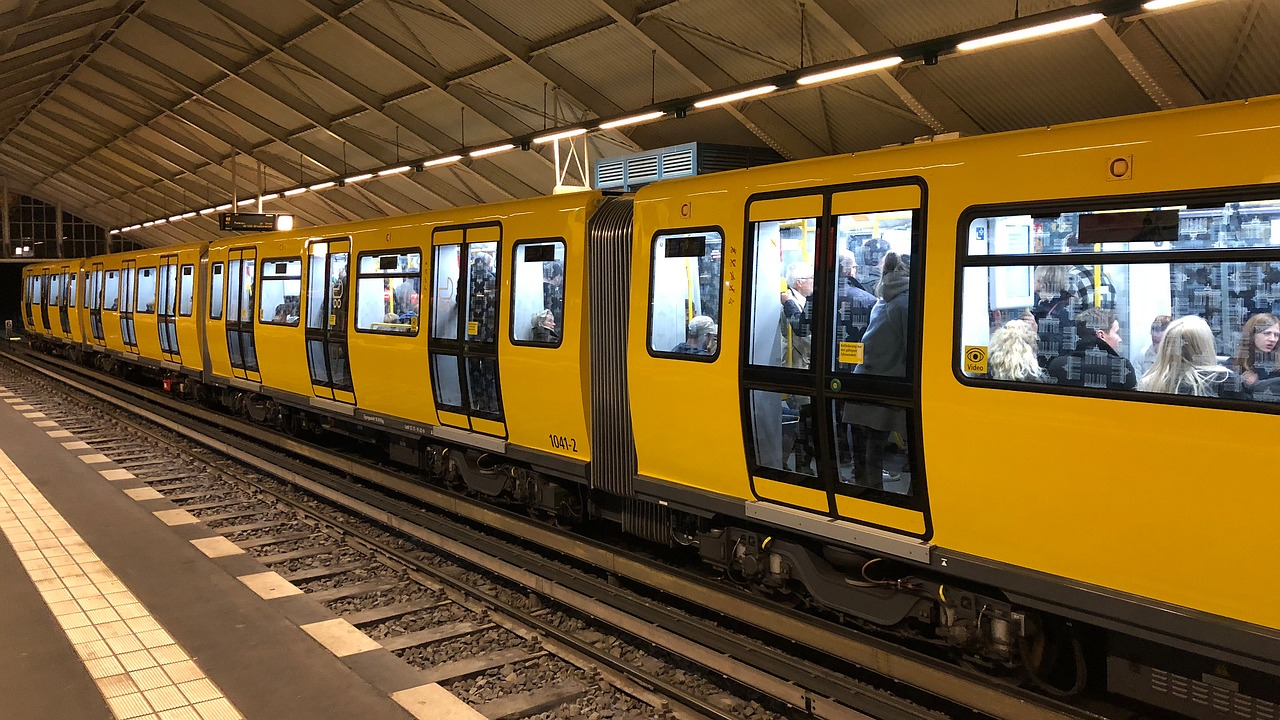 https://pixabay.com/it/berlino-metro-trasporto-3724691/