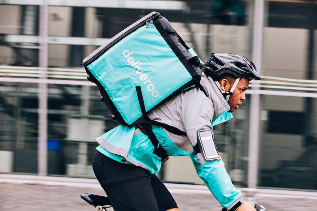 Rider Deliveroo ©Deliveroohttps://thefederalist.com/2018/12/10/delivery-guy-in-berlin-fired-after-telling-customer-he-supports-brexit/?fbclid=IwAR0lDXxgTPPewAklneFSulJesjOZYEYTa-q5H_pNu8jGrej3HaMYrs3MqAo