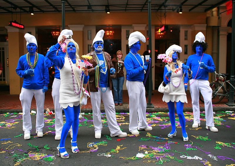 Photo: © Brian Lin - New Orleans Mardi Gras. The blue men & women group. CC 2.0  https://www.flickr.com/photos/24827335@N00