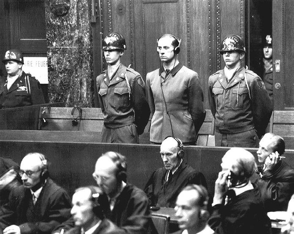 Karl Brandt sul banco degli imputati al processo di Norimberga ©Pubblico Dominiohttps://it.wikipedia.org/wiki/Eutanasia_su_minori_nella_Germania_nazista#/media/File:Karl-Brandt.jpg