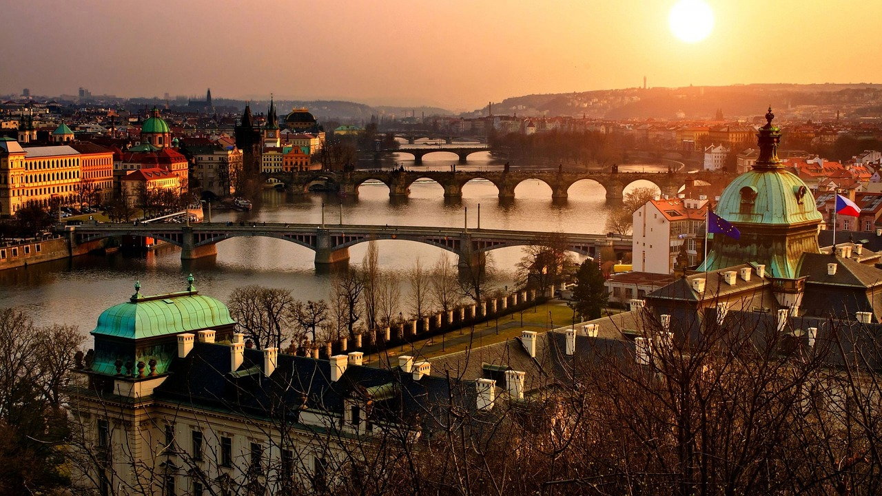 CC0 https://pixabay.com/it/praga-panorama-1119791/