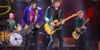 I Rolling Stones nel 2015 al Summerfest nel Wisconsin ©Jim Pietryga CC BY-SA 3.0 https://it.wikipedia.org/wiki/The_Rolling_Stones#/media/File:Trs_20150623_milwaukee_jp_105.jpg