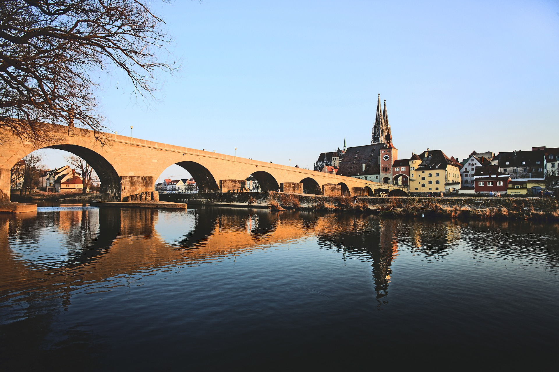 Regensburg, https://pixabay.com/it/photos/regensburg-baviera-germania-2112927/ andreas160578 cc0