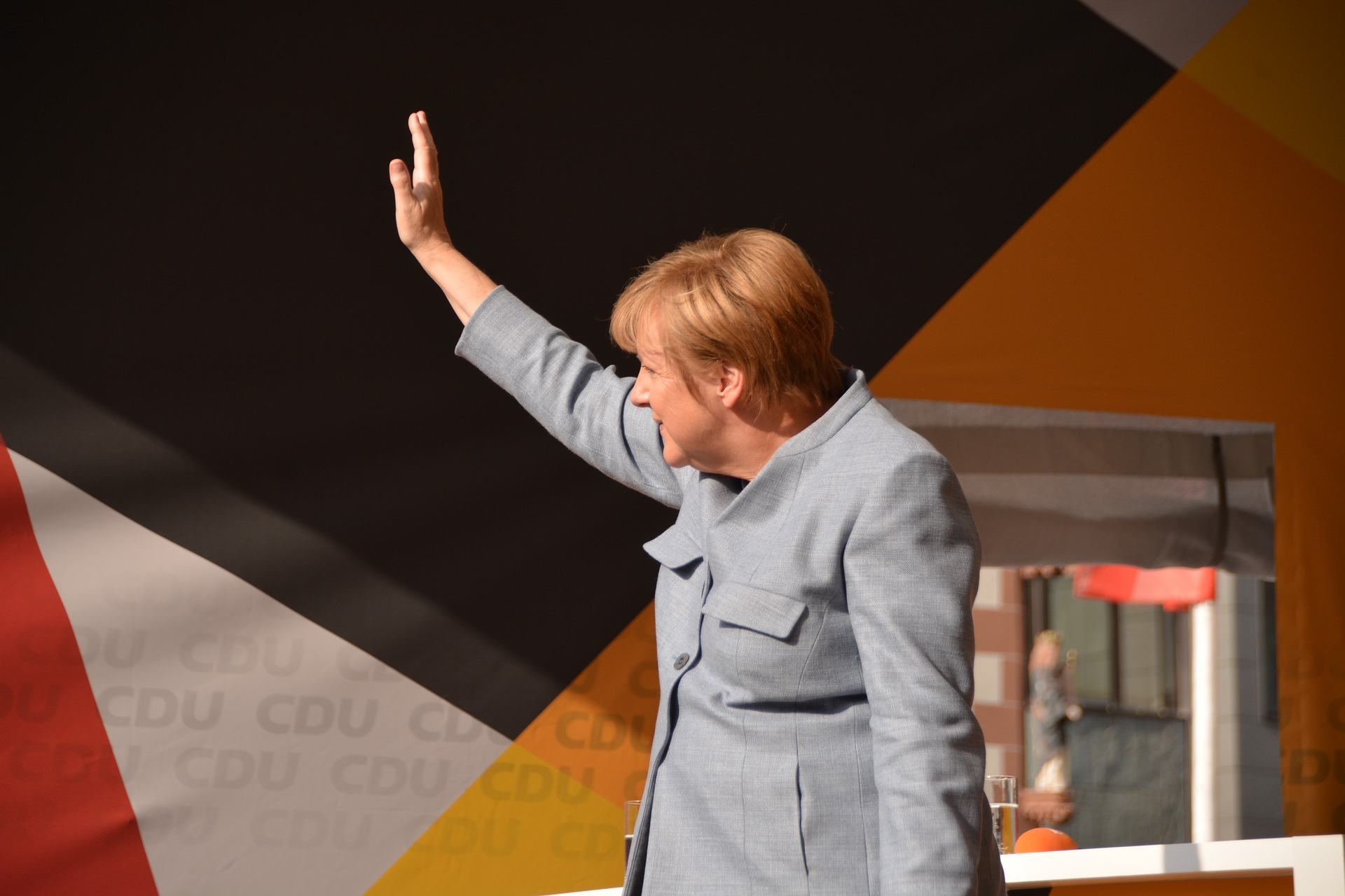 Merkel, fantareis, https://pixabay.com/it/photos/merkel-cancelliere-angela-merkel-2906016/, CC0