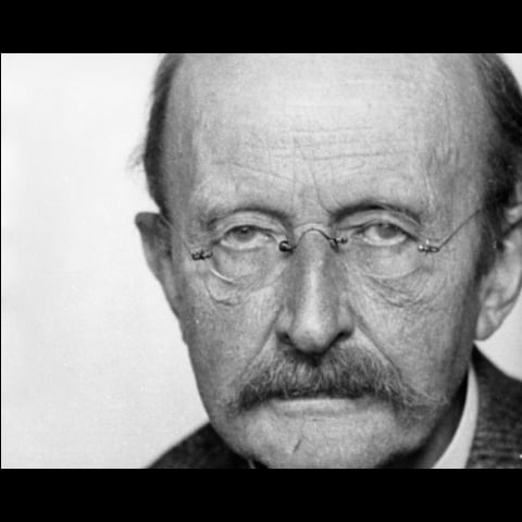 Max Planck, Foto on Facebook, https://www.facebook.com/photo.php?fbid=109234343617905&set=pb.100035940202320.-2207520000.1557161965.&type=3&theater