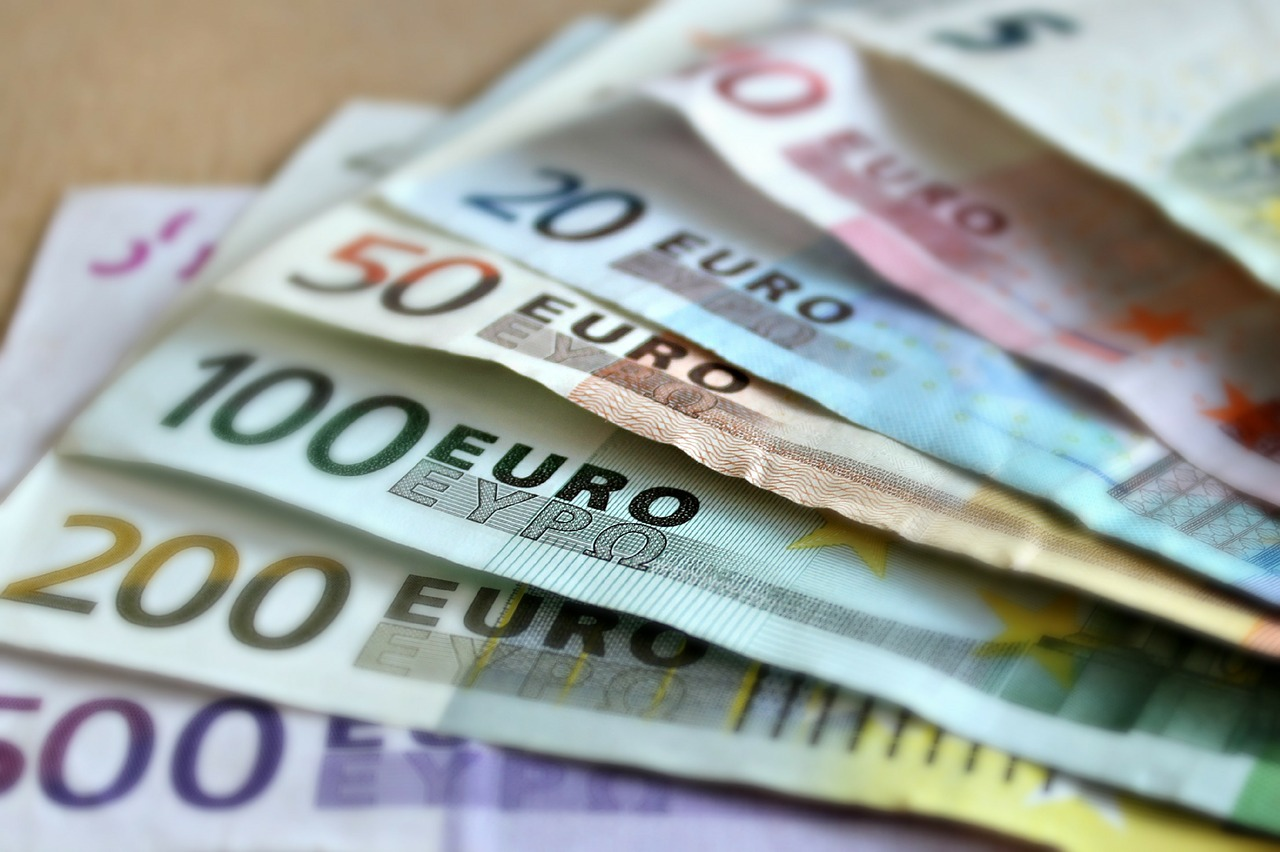 Banconote, https://pixabay.com/it/photos/banconota-euro-banconote-209104/, martaposemuckel, CC0