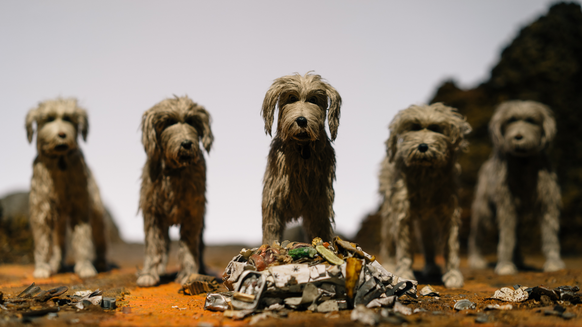 Immagine da Island of Dogs di Wes Anderson ©Paul Hudson CC BY-SA 2.0 https://de.wikipedia.org/wiki/Datei:Isle_of_Dogs_(26306645067).jpg