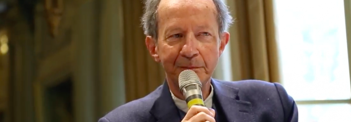 Giorgio Agamben, Screenshot da YouTube https://www.youtube.com/watch?v=wK7nPFpBdOM