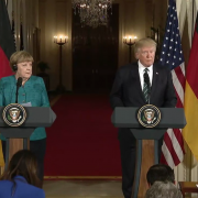 Angela Merkel e Donald Trump da Wikipedia https://en.wikipedia.org/wiki/File:Angela_Merkel_Donald_Trump_2017-03-17.png