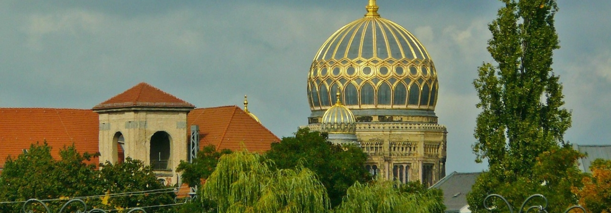 Sinagoga, cocoparisienne, https://pixabay.com/it/photos/berlino-city-view-sinagoga-365536/, CC0.
