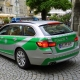 Polizei, ResoneTIC, https://pixabay.com/it/photos/tedesco-polizia-auto-bmw-polizei-1539596/, CC0.