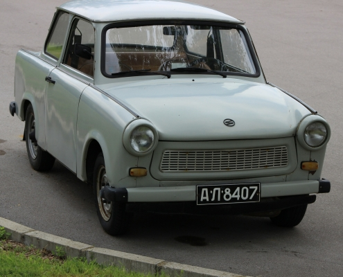 Trabant, C https://pixabay.com/it/photos/trabant-auto-veicolo-476750/