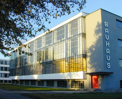 bauhaus, pixabay,https://pixabay.com/it/photos/bauhaus-edificio-bauhaus-dessau-250403/, tegola,https://pixabay.com/it/users/tegula-132001/