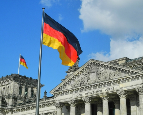reichstag, ©karlherl, https://pixabay.com/it/photos/reichstag-il-volke-tedesco-germania-324982/