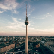 berlin, ©claudio schwarz, https://unsplash.com/photos/pN684G33h_M