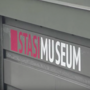 Stasi Museum, screenshot da youtube, https://www.youtube.com/watch?v=h4L8rX1UBf0