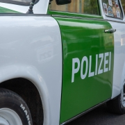 polizei, foto di AndrzejRembowski, https://pixabay.com/it/users/andrzejrembowski-2775184/?utm_source=link-attribution&utm_medium=referral&utm_campaign=image&utm_content=4413166, da https://pixabay.com/it/?utm_source=link-attribution&utm_medium=referral&utm_campaign=image&utm_content=4413166