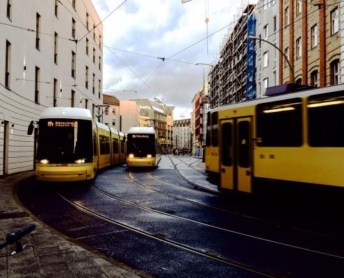 Mezzi di trasporto Pixabay CC0 https://pixabay.com/it/photos/tram-berlino-trasporti-pubblici-828840/