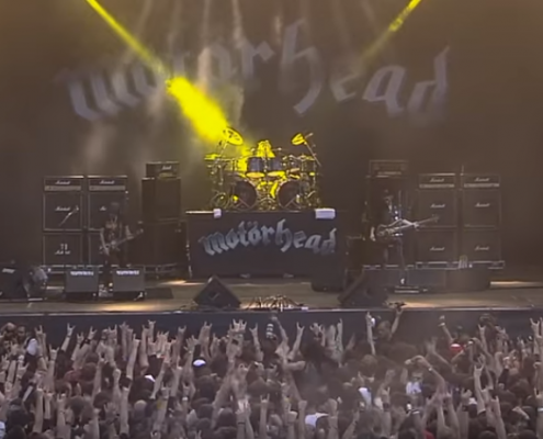 Motörhead Screenshot da YouTube https://www.youtube.com/watch?v=5U_Cs9m5qpg