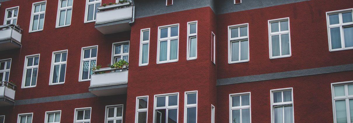 house-2638987_1920 / https://pixabay.com/de/photos/haus-rot-himmel-architektur-2638987/ / ©fotografierende / CC0