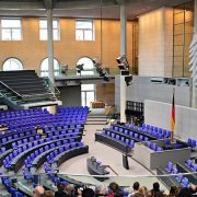 Bundestag Freno di emergenza© Tobias Nordhausen da Flickr CC2.0 https://www.flickr.com/photos/93243867@N00/33507442743