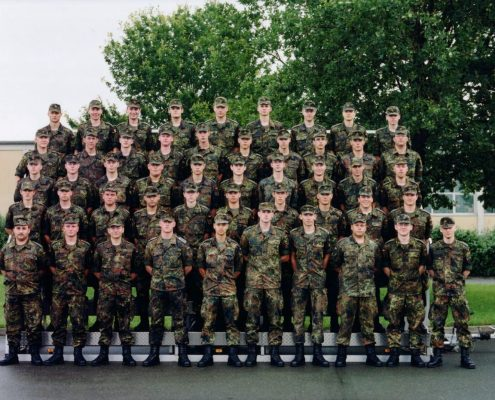 Soldati https://commons.wikimedia.org/wiki/File:Germany-Army-Platoon.jpg Copyright:Cappellmeister CC BY 2.0