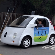 Autovettura autonoma https://commons.wikimedia.org/wiki/File:Google_driverless_car_at_intersection.gk.jpg Copyright:Grendelkhan CC BY-SA 4.0
