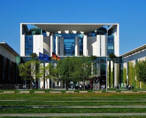 Federal Chancellery © Sylabo via Pixabay https://pixabay.com/photos/building-architecture-city-3403791/ CC0